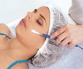 O Desincruste regula a oleosidade da pele