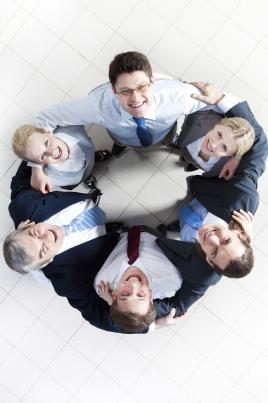 O papel de um líder é  transformar um grupo de pessoas comuns em uma equipe comprometida