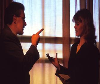 qual o perfil dos clientes que desejam ou abandonam a empresa