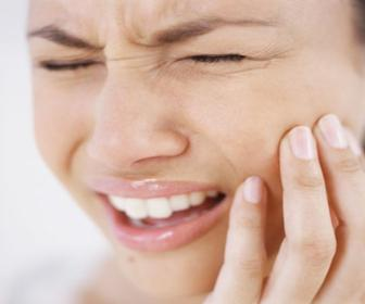 A higiene correta da boca mantém a gengiva saúdavel