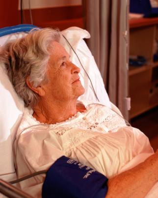 Protocolo de atendimento ao idoso em instituições de longa permanência