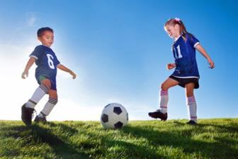 Aptidão física relacionada à saúde entre crianças praticantes de futebol