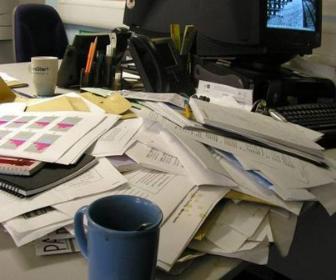 4 passos para organizar sua mesa de trabalho