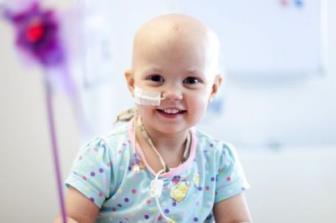 Enfermagem atua junto à equipe multidisciplinar no tratamento do câncer