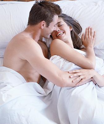 Amor transborda alegria e vivacidade entre casal