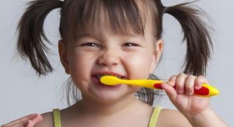 Crianças com lesões bucais no tratamento dentário