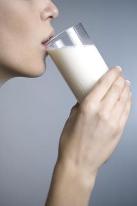 Pode ser ingerida com alimentos ou com leite