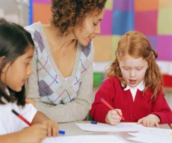 A escola surge nesta época como contribuidor fundamental para o crescimento da criança