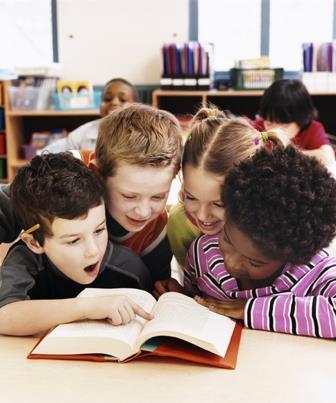 """Autores descrevem a importância de """"abrir a mente"""" para a leitura"""
