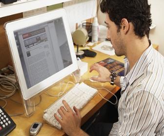 O motivo da busca é a facilidade que os cursos online trazem