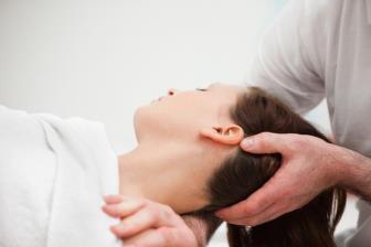 Cervicalgia pode ser tratada com fisioterapia