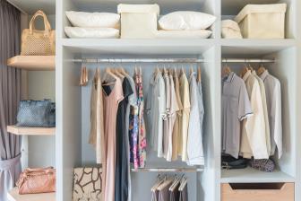 Aprenda a organizar seu closet e acessórios