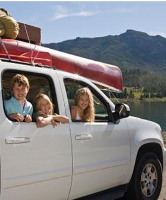 Viajar de carro com crianças exige alguns cuidados