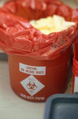 Não misture rejeitos radioativos líquidos com sólidos